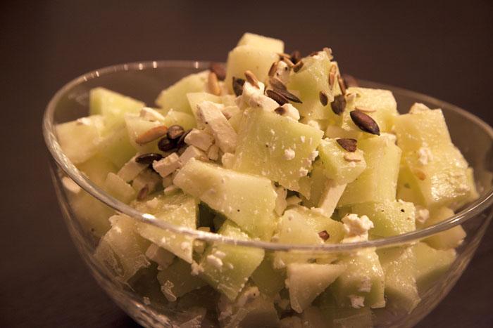 rezept melonen salat mit schafsk se recipes simply delicious. Black Bedroom Furniture Sets. Home Design Ideas