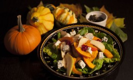 Kürbis-Birnen-Salat mit Gorgonzola