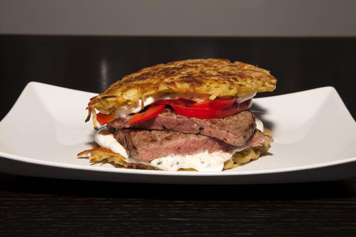 Rezept für einen saftigen Rindfleisch-Kartoffel-Burger