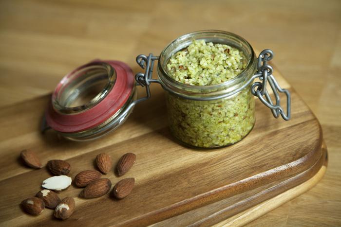 Zucchini-Basilikum-Pesto