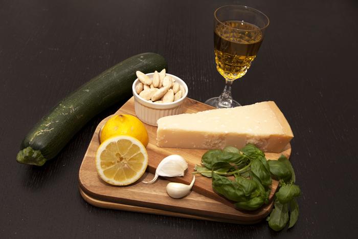 zutaten-zucchini-basilikum-pesto