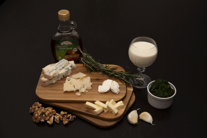 ingredients-gorgonzola-spinat-sauce