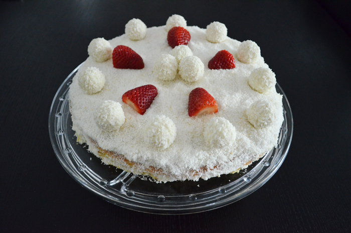 Raffaello-Strawberry-Cake