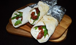 Homemade Wraps with Sheep's Cheese, Rucola and sundried Tomato-Filling