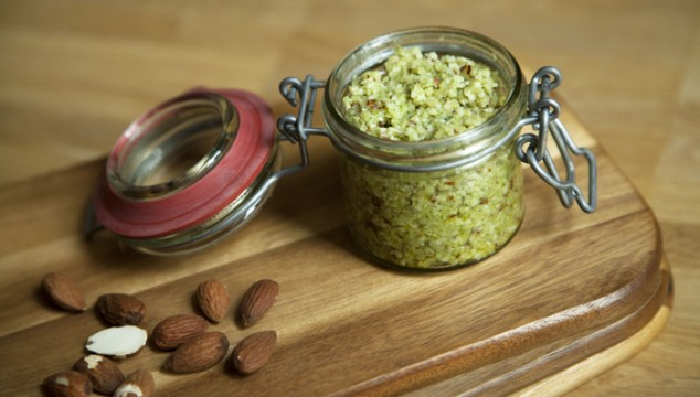 Zucchini-Basil-Pesto
