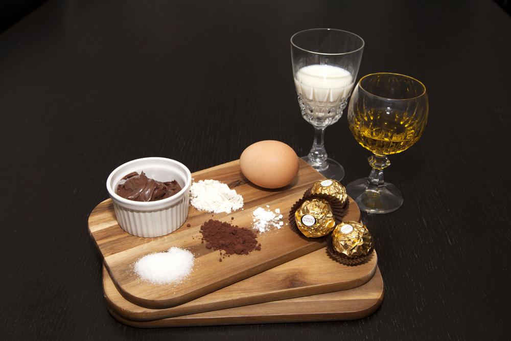 ingredients-mug-cake-rocher-nutella