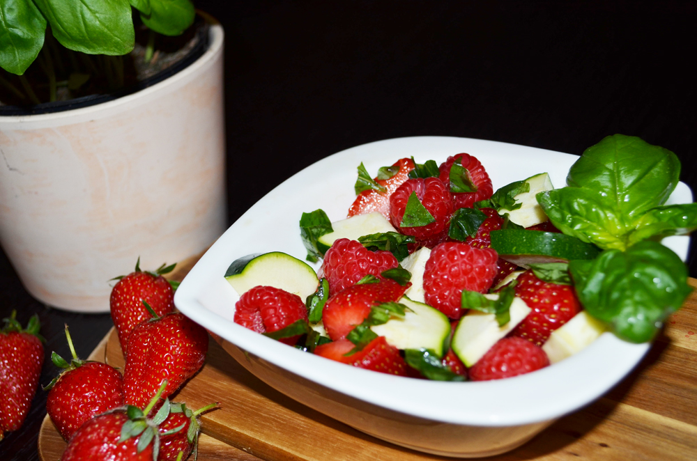 Vegetable-Fruit Salad Recipe: Strawberries, Raspberries, Zucchini and Basil 3