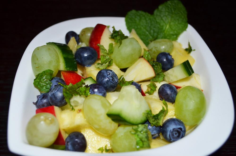 Vegetable-Fruit-Salad: Pineapple-Grapes-Gherkin Salad