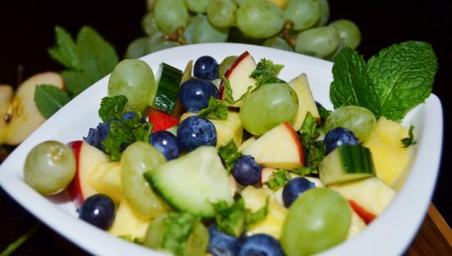 pineapple-grapes-gherkin-salad-2