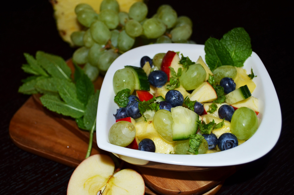 pineapple-grapes-gherkin-salad-4