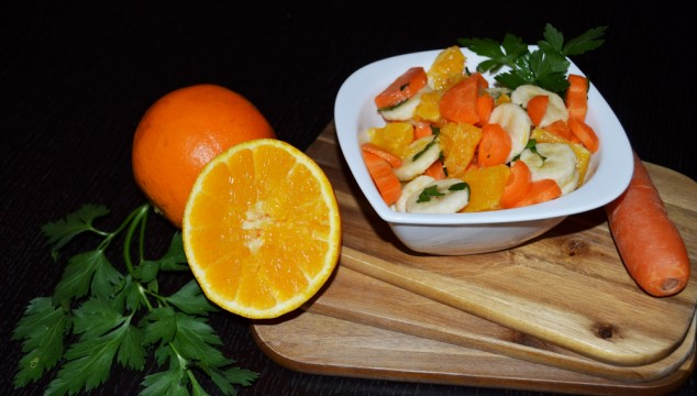 vegetable-fruit-salad-carrots-oranges-bananas-3